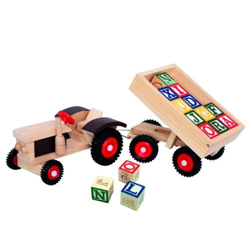 Medinis traktoriukas su priekaba ir kaladėlėmis